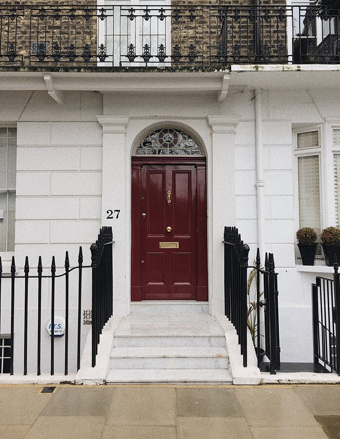Кой е най-добрия материал за входна врата?