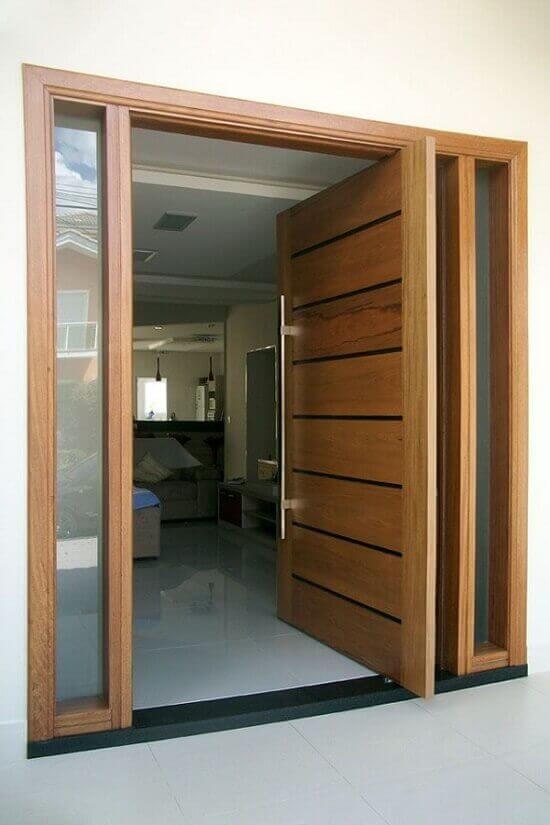 Изолационен материал и входната врата