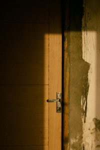 5 ключови момента, по които да прецените, че интериорните Ви врати са за смяна